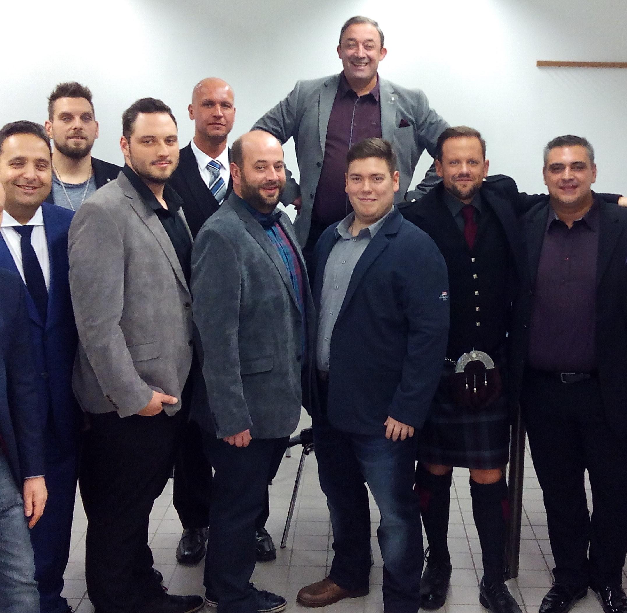 Kandidaten The Biggest Loser 2017 - Die Herren mit ALBERT KREUZ Shape-Unterhemd